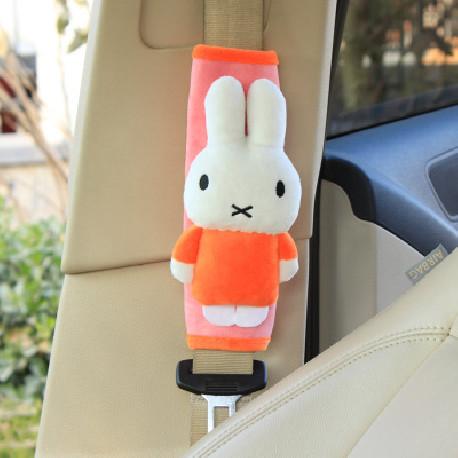 Накладка мягкая на ремень безопасности. Кролик.