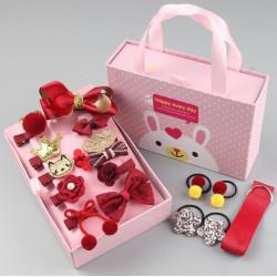 Набор детских заколок. Красный 18 штук в подарочной коробочке.
