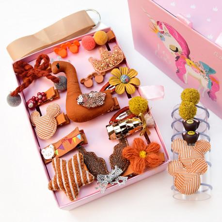 Набор детских заколок. Оранжевый Лебедь 24 штук в подарочной коробочке.