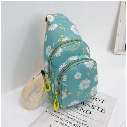 Рюкзак через плечо , мини-рюкзак, городской, зеленый. Белая ромашка.