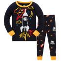 Пижама для мальчика, черная. Ракета в открытом космосе.