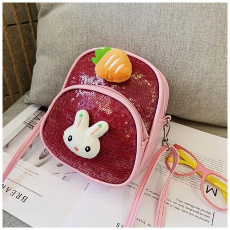 Детская сумочка-рюкзак, с паетками, красный. Кролик и морковка.