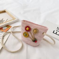 Сумка плетеная детская, розовая. Цветочки.