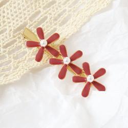 Заколка для волос, красная.Три цветочка.