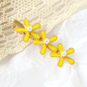 Заколка для волос, желтая.Три цветочка.
