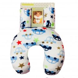 Подушка под шею с накладками на ремень для новорожденного. Машины и звезды.