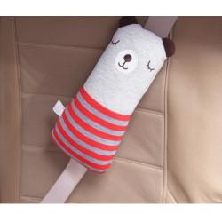 Подушка под шею, накладка на ремень безопасности. Мишка в красном свитере.