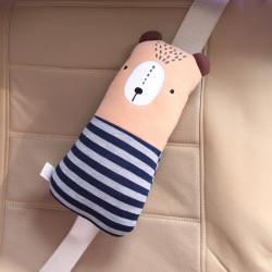 Подушка под шею, накладка на ремень безопасности. Бежевый медведь в синем свитере.