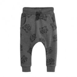 Штаны для мальчика, темно-серые. Мордочки енотов.