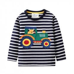 Кофта для мальчика, реглан, черная. Бычок в тракторе.