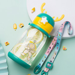 Бутылка с рожками детская пластиковая, поильник, зеленая. Космонавт. 600 мл.