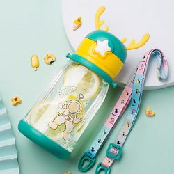 Бутылка с рожками детская пластиковая, зеленая. Космонавт. 600 мл.